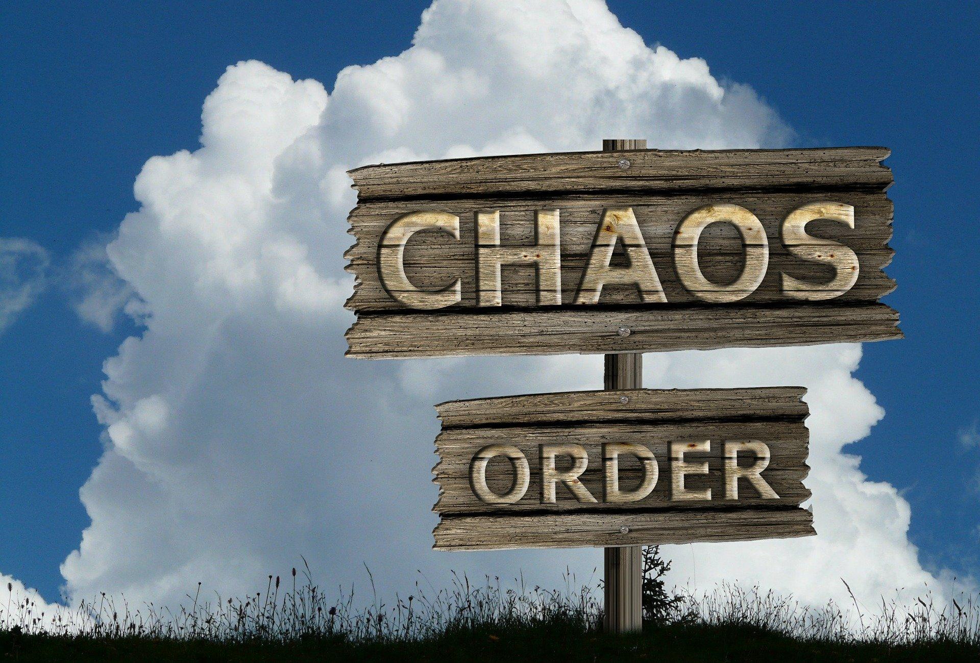 donne chaos e confusione